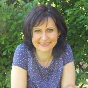 Dr. Anett Árvay